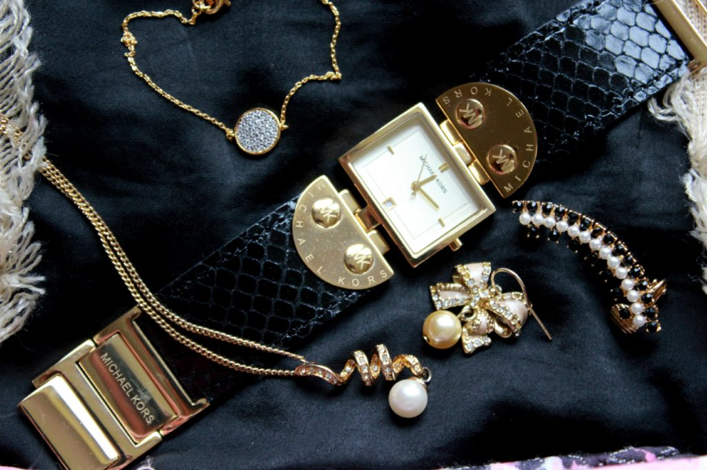 A flatlay of the accessories