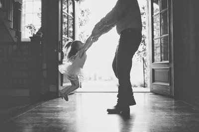 635947108967096439-817162586_father daughter